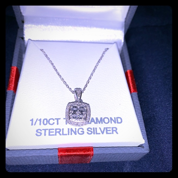 Jewelry - Diamond pendant with Sterling Silver Chain